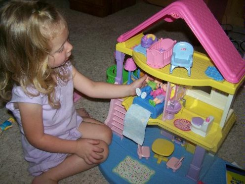 Best dollhouse for 3 year old girl