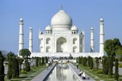 SLR digital Camera Shot Taj Mahal