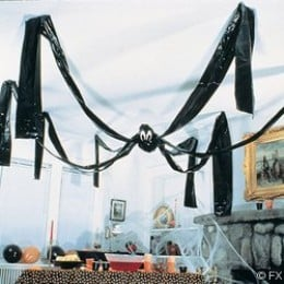 Giant plastic spider decoration
