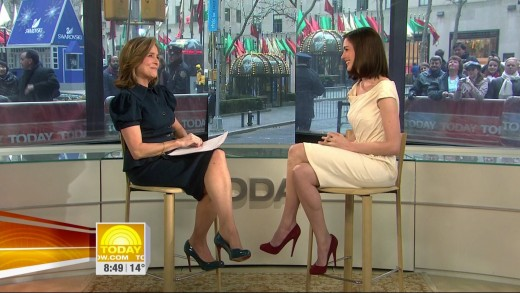 Meredith Vieira and Anne Hathaway crossed legs in high heels
