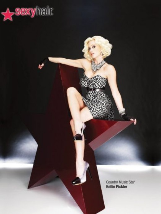 Kellie Pickler in a promo shoot with crossed legs