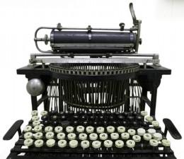 A Old printing press