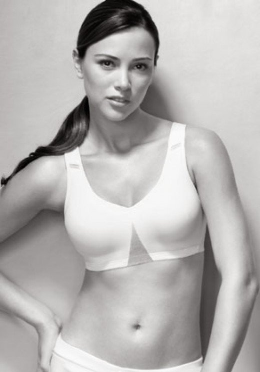 underwire sports bra by MaidenForm