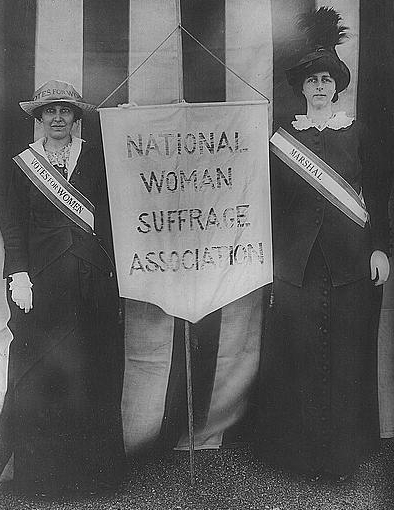 Mrs. Stanley McCormick and Mrs. Charles Parker (1913).