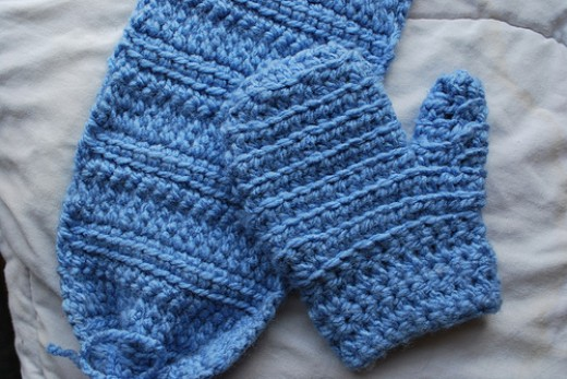 Crochet Baby Gloves Pattern : CROCHET PATTERN FOR BABY MITTENS - Crochet Club