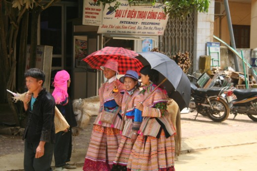 Girls in traditional dress Bac Ha markets.