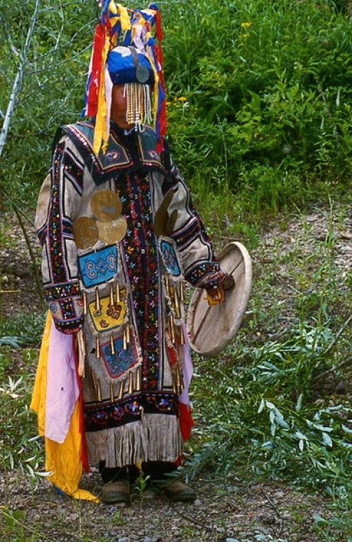 Chuonnasuan (1927-2000), last shaman of the Oroqen.