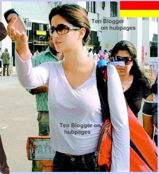 Katrina Kaif without makeup caught at airport