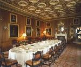 ...while some still live like this?  the Banquet Room at Longleat, UK    photo gonk.about.com
