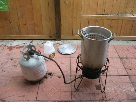 The turkey fryer: worth its weight in gold!