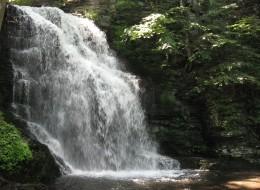 Bridal Veil Falls (25 feet)
