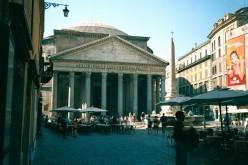 The Pantheon, the Pizza della Rotunda, Rome.