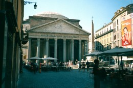 The Pantheon, the Pizza della Rotunda, Rome.