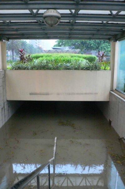 pedestrian underpass, Ayala Ave, Makati