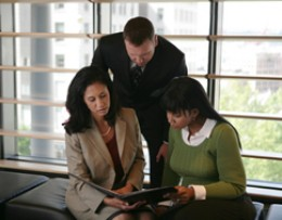what employers are subject to affirmative action plans and why Affirmative action will be discussed in relation to public and private sector employers, and how it interacts with title vii addendum of civil rights act of 1964 and equal employment opportunity act these following questions will also be addressed (1) which employers are subject to affirmative action plans and why.