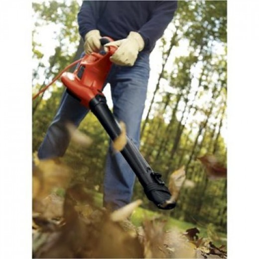 The Black & Decker LH4500 leaf blower