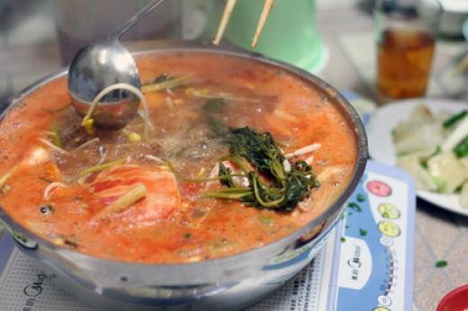Old Man Hot Pot's Famous Hot Pot Soup - Tomato Crab Soup