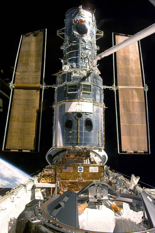 Courtesy of NASA/    1999 docked with Discovery