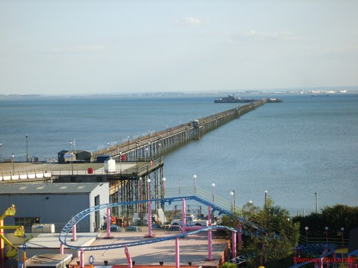 http://upload.wikimedia.org/wikipedia/commons/7/71/Southend_Pier_Autumn_2007.jpg