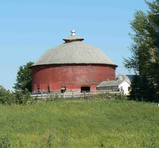 A round barn on a scenic back road in Pierce County