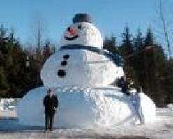 The World's Biggest Snowman (almost)