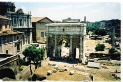 Roman forum. Photo by kerryvaughan (flickr)