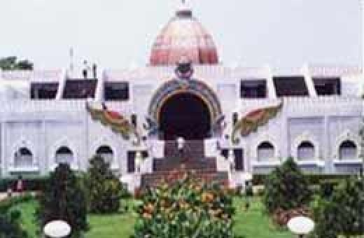 Valluvar Kottam-A memorial for the First poet in Tamil