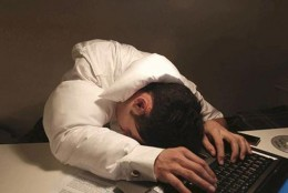 Pillows for working late; a tie-pillow, a collar-pillow and a sleeve-pillow that provide you with comfort and softness when you fall asleep working until late