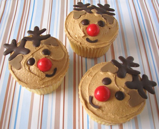 These were made with a combo of Fondant and Chocolate for Antlers Photo: daintyindulgence