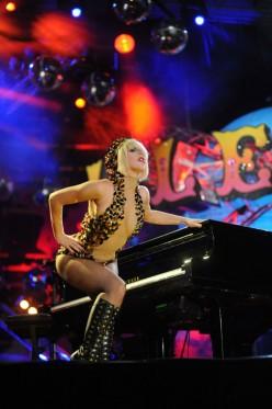 Lady Gaga - Whats Wrong with Lady Gaga?