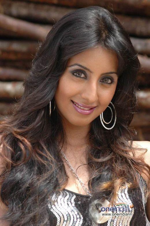 sanjana gandhi sister of another popular actress pooja gandhi is now