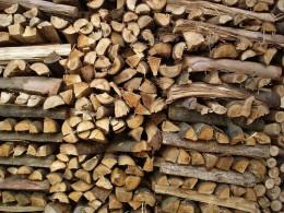 Wood stack.      Photo by rvidal.