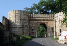 4th of the seven gates of Chittor's fort. In local language,fort's gate is known as 'Pol'.The first gate is known as Ram pol. The others are :  Padan Pol, Bhairon Pol, Hanuman Pol, Ganesh Pol, Jodla Pol and Laxman Pol .