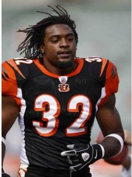 Cedric Benson, now a Bengal, prepares for the game against the Chicago Bears in Cincinnati. The Enquirer/Jeff Swinger
