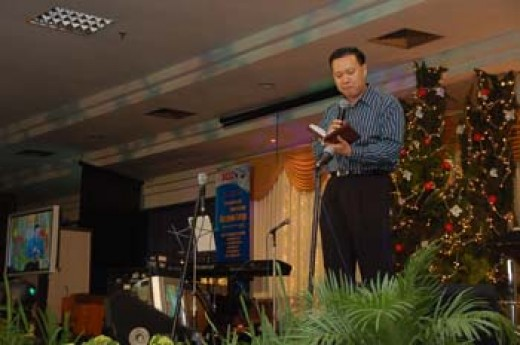 Pastor Daniel Arief S delivered the Christmas message