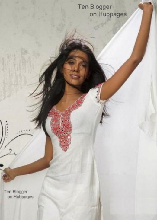 Natasha Suri - very sexy salwar kameez