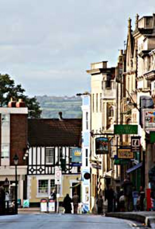 Glastonbury Town - Head Shops and alternative therapies are here!