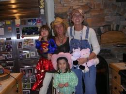 Shelby, Ashlynn, Wendi and Cheri