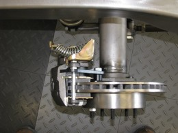 Note disc brake rotor is clean and dry. Click to enlarge all photos