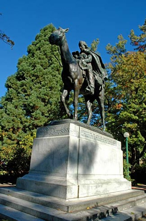 Statue of a circuit rider in Oregon