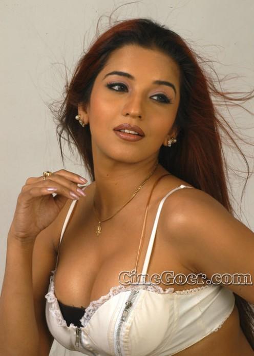 Hot Antara Biswas aka Monalisa Sexy Pics - Extreme Masala Photos Image 1