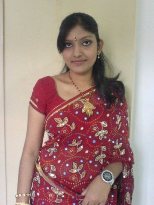 Real Life Photos of Hot Indian Bhabhis Image 19
