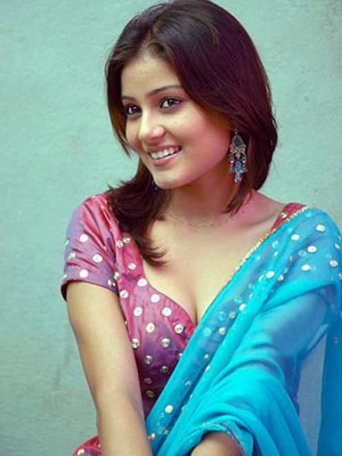 Hot Mallu Aunty Saree Removing Wife Dress Changing Hidden Cam
