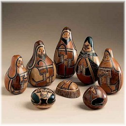 Nativity scene from Peru, made of carved gourds
