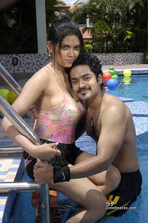 Busty Masala Aunties of Tollywood Exposing Image 8
