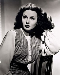 Hedy Lamarr, the Movie Star who Invented a Torpedo Guidance System