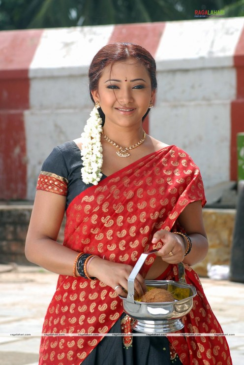 Swetha Basu Prasad Hot Photos Image 0