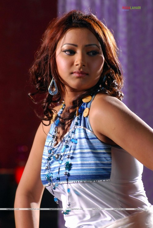 Swetha Basu Prasad Hot Photos Image 4