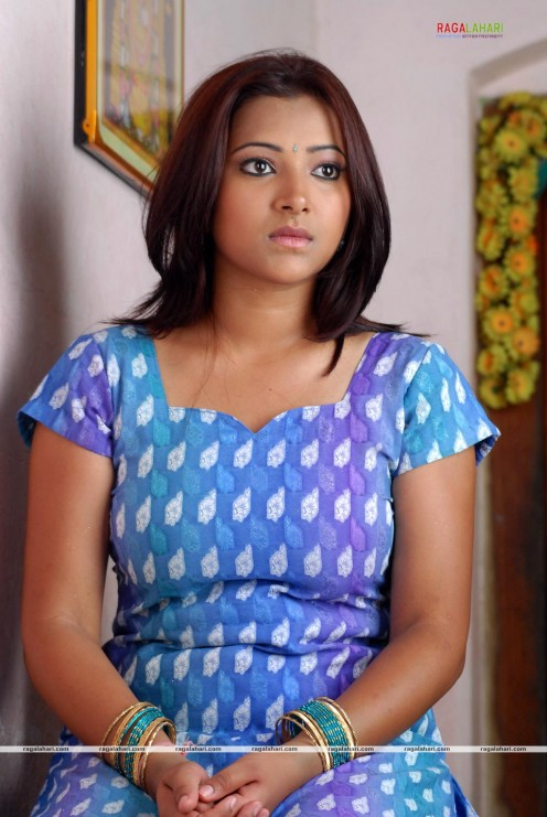 Swetha Basu Prasad Hot Photos Image 11