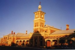 The Albury railway station is a beautiful old building